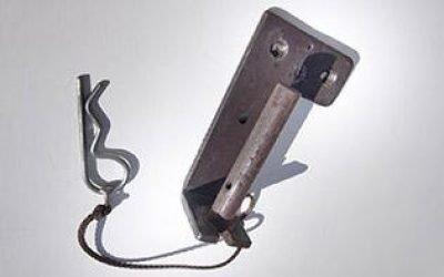 supporto in ferro ad innesto tubolare con fissaggio a spina